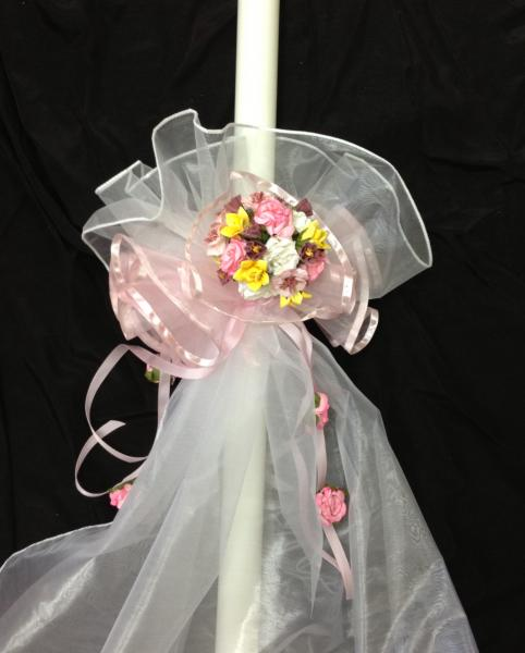Lovely, flowing 30 inch candle with organza and silk.  This theme was gardens, butterflies, and honey jars.  $125